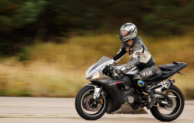 dispositivi-stradali-di-sicurezza-motociclisti