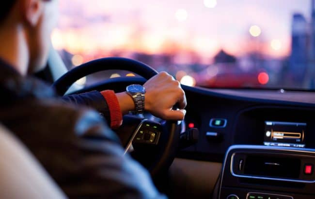 guida-postura-corretta-al-volante